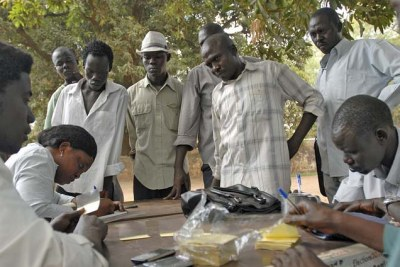 Residents of Juba, Southern Sudan, registering to vote.