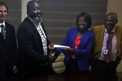 GE signs Waukesha gas engines distributor agreement for Nigeria with IGPES Gas and Power. Pictured Left to Right: Lon Mahan, COO: IGPES Gas and Power; Uzoma Ekpecham, Managing Director/CEO: IGPES Gas and Power; Oluwatoyin Abegunde, Channel Partner Manager: GE's Distributed Power; Sunny Okpodu, Business Development Manager: IGPES Gas and Power.