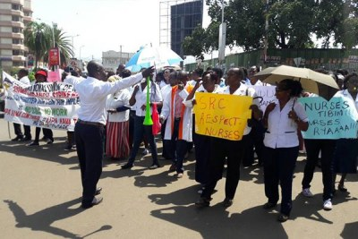 Nurses march in the streets of Kisumu (file photo).