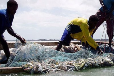 Government warns illegal fishers.