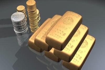 Pièces antiques et barres d'or.