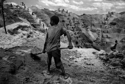 Beaucoup de migrants affirment qu'ils ont été soumis à diverses formes de torture, aux bastonnades et aux viols collectifs tout en étant maintenus en garde à vue en Angola avant d'être expulsés.