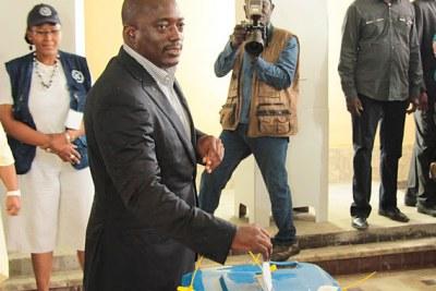 Le président Kabila Kabangé vote le 28/11/2011 à l'athénée de la Gombe à Kinshasa