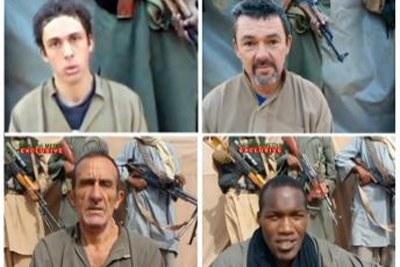 Un montage d'images capturées dans les vidéos diffusées par les ravisseurs