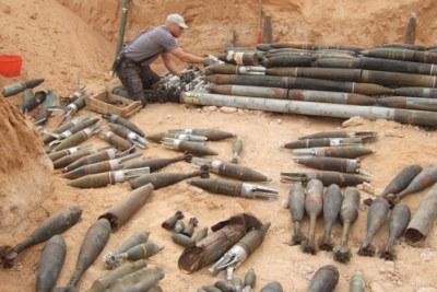 Arsenal d'armes en Libye.