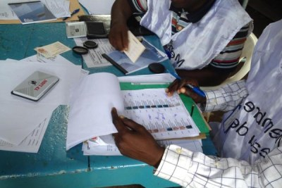 Voting in Conakry