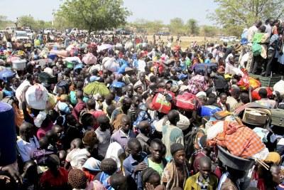 Déplacés cherchant refuge dans les camps de l'ONU.