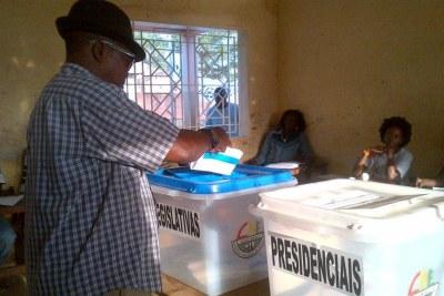 Un bureau de vote lors de l'élections du 13 avril 2014, en Guinée-Bissau.