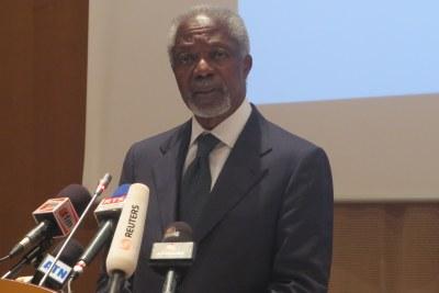 Kofi Annan, ancien SG de l'ONU, tous les deux membres de la Commission Ouest-Africaine sur les Drogues