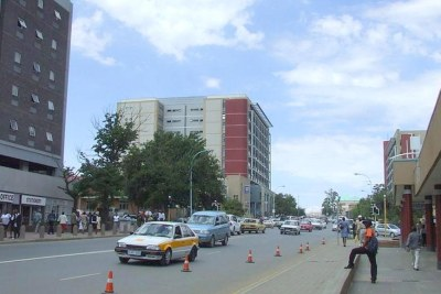 Une des rues principales de Maseru, la capitale du Lesotho.