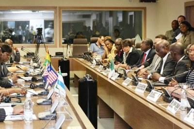 La Banque africaine de développement a mobilisé un montant de 152 millions de dollars US pour contrer la crise d'Ebola au Libéria, en Sierra Leone et en Guinée.