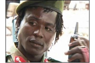 Capture d'écran de Dominic Ongwen, un chef militaire de la LRA qui doit bientôt être transféré à La Haye pour faire face à des accusations de crimes contre l'humanité devant la CPI.