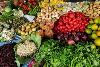 Un régime sain peut aider à réduire les risques de toute une série d'affections chroniques liées à l'obésité.