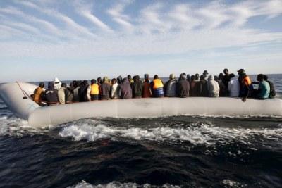 Des migrants à proximité des côtes libyennes (archive)