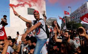 Les fonctionnaires tunisiens dans la rue pour une hausse salariale