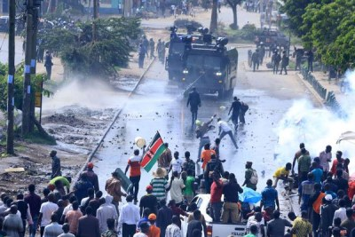 Police confront Nasa supporters with teargas and water cannons on Jogoo Road.