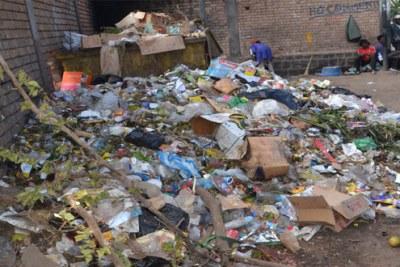 L'amoncellement d'ordures dans des lieux résidentiels risque d'augmenter les cas de peste.