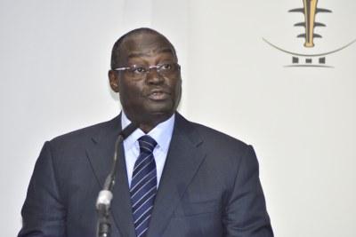 M. Tiemoko Meyliet Koné, Gouverneur de la Banque Centrale des États de l'Afrique de l'Ouest (BCEAO), lors du Forum de Haut Niveau sur le thème : « Innovation technologiques au service de l'inclusion financière », le mardi 27 novembre 2018 au siégé de la Banque a Dakar.