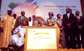 Le Prix UNFPA pour la planification familiale décerné  à Hadj Mansour Mbaye