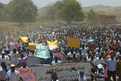 Demonstrations take place in the Kauda market of Nuba Mountains on April 6, 2019.