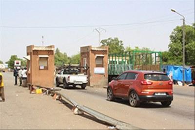 Le poste de péage à la sortie de la ville de Ouahigouya (région du Nord) en partance pour Ouagadougou.