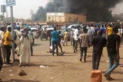 Manifestation à Niamey, le dimanche 15 mars 2020, sur l'affaire des malversations au ministère de la défense soit transmise auprès des tribunaux compétents.