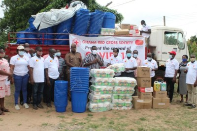 The partnership is part of the Mastercard Foundation COVID-19 Recovery and Resilience Program, which will enable Ghana Red Cross Society provide increased access to basic water, sanitation, and hygiene (WASH) services for vulnerable communities and health centres through the distribution of handwashing kits, including veronica buckets, detergents, and hand sanitizers.