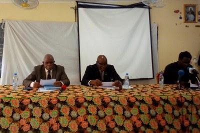 Clément Miérassa et Paulin Makaya lors de la conférence de presse/Adiac