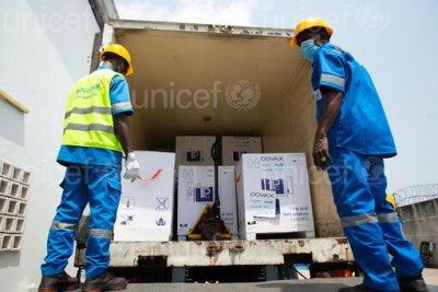 COVAX COVID-19 vaccines arrive in Côte d'Ivoire