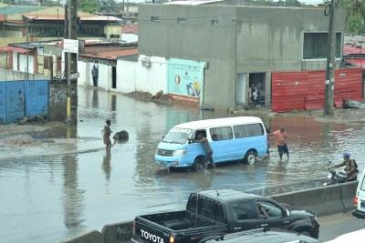 Les dégâts de la pluie à Luanda