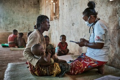 42-year old Vitasoa has six children. She's brought four of them to the Médecins Sans Frontières mobile clinic. All the children are included in the nutrition programme launched at the end of March to respond to the food and nutrition emergency in southern Madagascar.