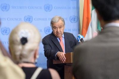 Le secrétaire général de l'ONU, António Guterres, informe les journalistes de la situation en Éthiopie.