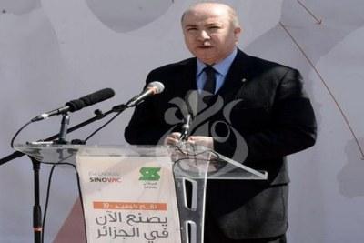 Le Premier ministre, ministre des Finances, Aïmene Benabderrahmane,au coup d'envoi officiel de la production en Algérie du vaccin contre la Covid-19.